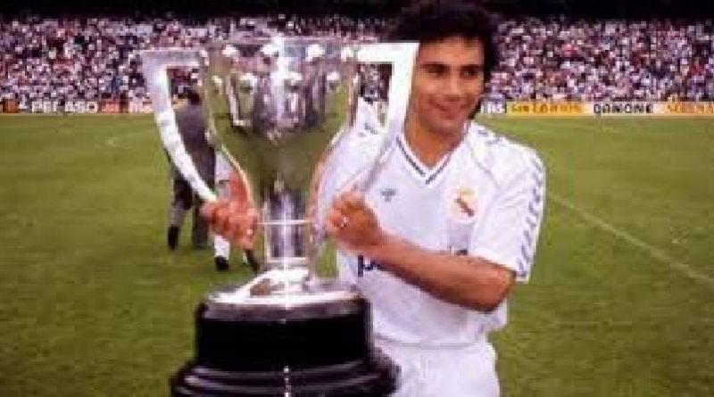 Hugo Sánchez renegado de la lista de los 10 mejores centros delanteros