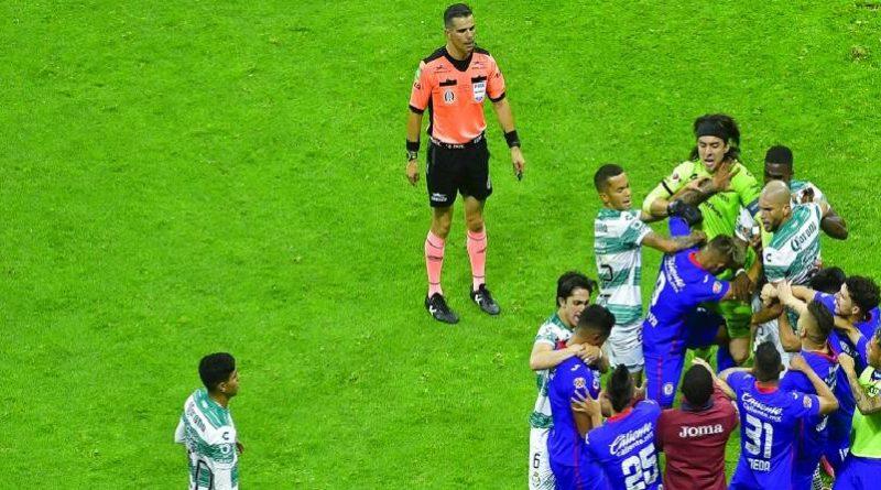Jesús Corona castigado 2 partidos